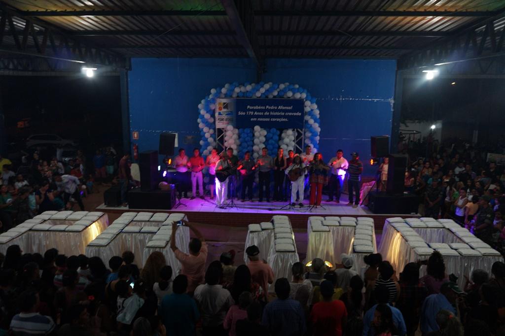 Com bolo gigante, show regional e premiações Feira da Alegria comemora aniversário de 170 anos de Pedro Afonso