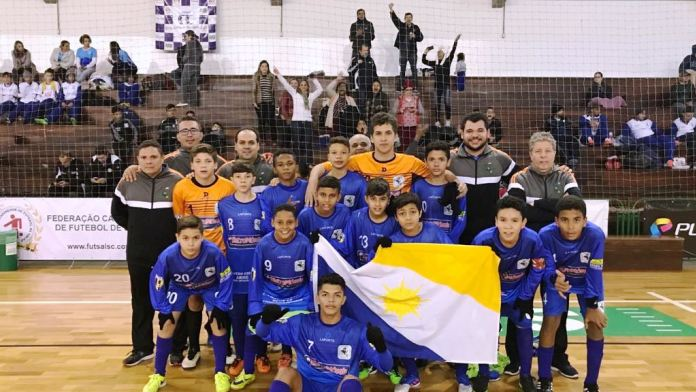 Escolinha da Arne 64 de Palmas disputa semifinal da Taça Brasil de Futsal