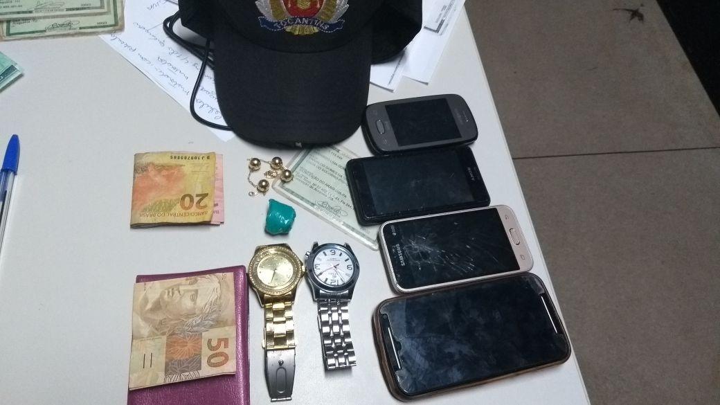 Dupla suspeita de praticar série de roubos é presa pela PM em Araguaína