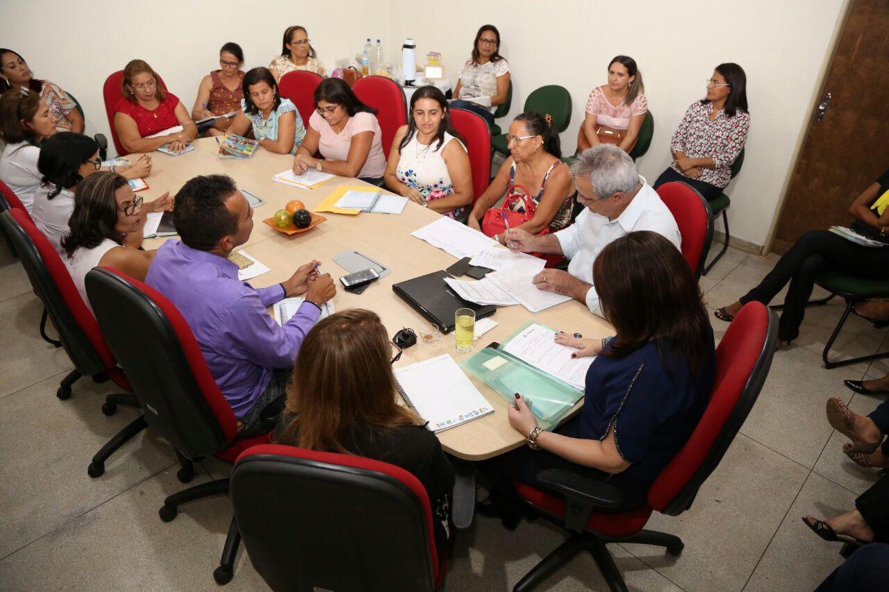 Gestão da Seduc encerra semana de trabalhos no Bico do Papagaio atendendo diretores em Tocantinópolis