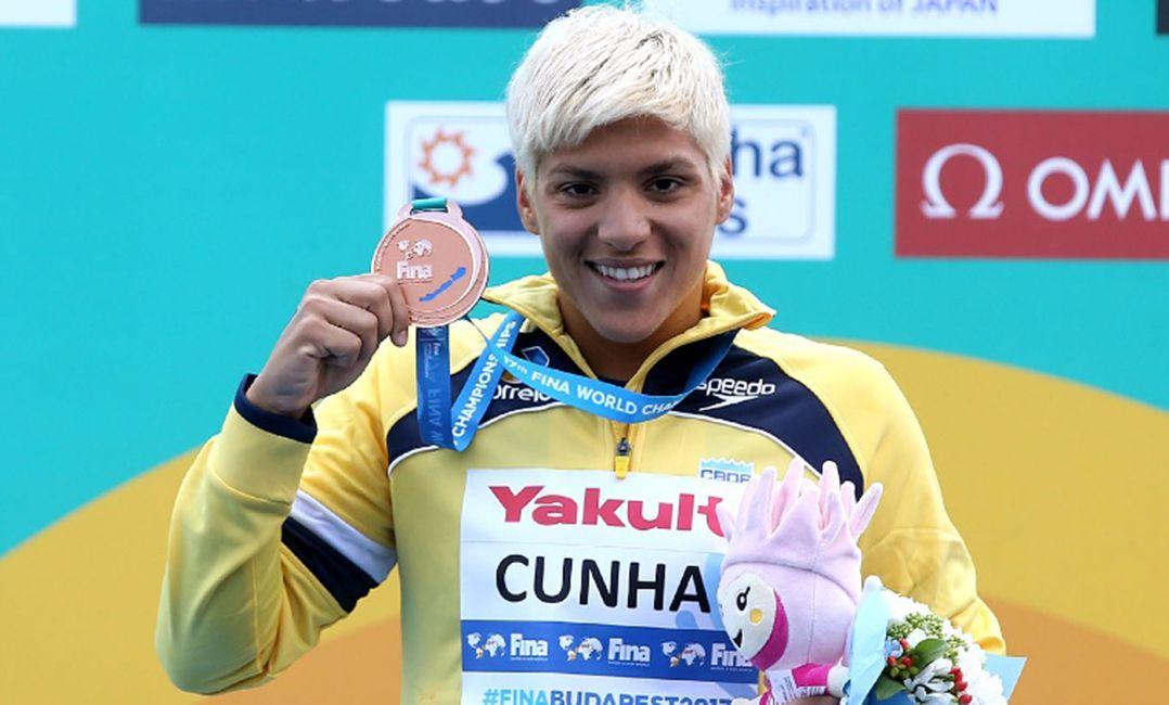 Ana Marcela fatura bronze na maratona aquática
