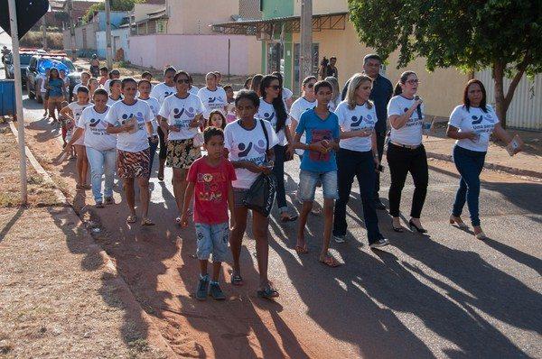MPE promove caminhada pela paz