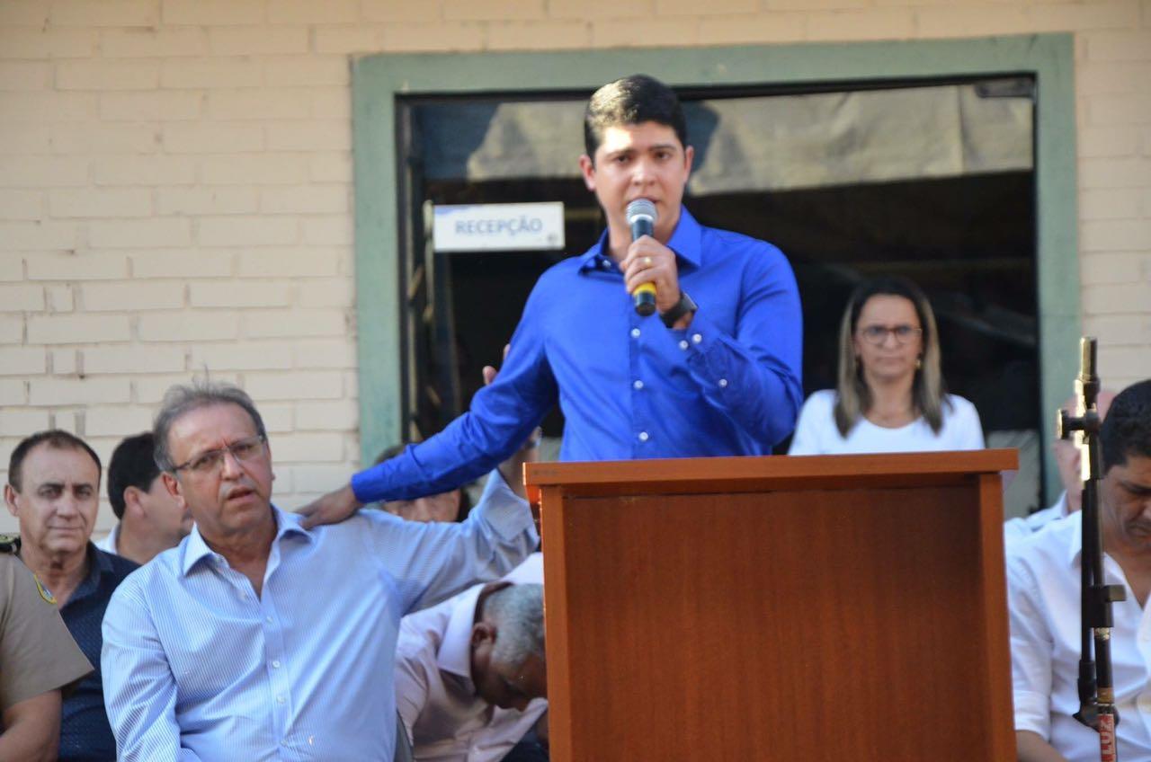 Vice-prefeito, Celso Morais, comemora junto com Marcelo Miranda e autoridades, 15 anos do Proerd em Paraíso