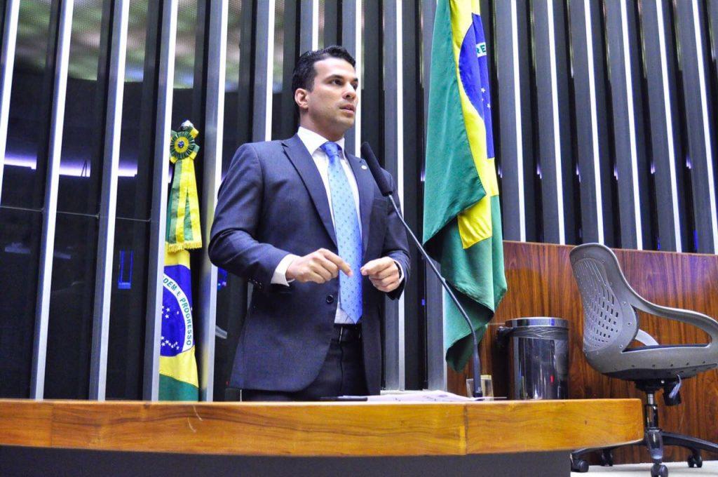 Irajá Abreu discursa na tribuna da Câmara Federal sobre a reforma política