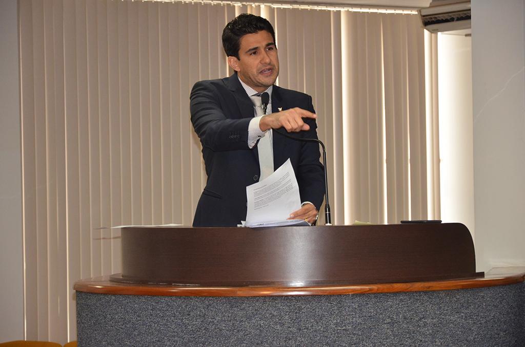 Andrino apresenta projeto de Lei da Ficha Limpa Municipal