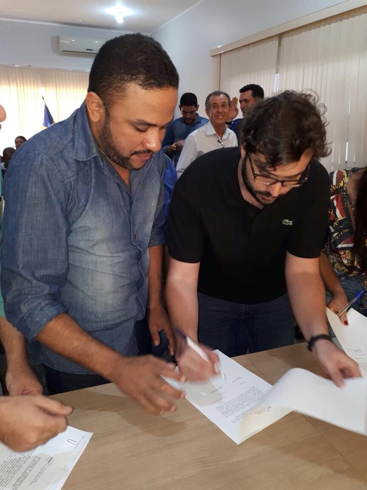 Governo de Cristalândia assina com presidente da Funasa proposta para construção de Poço Artesiano na Zona Rural