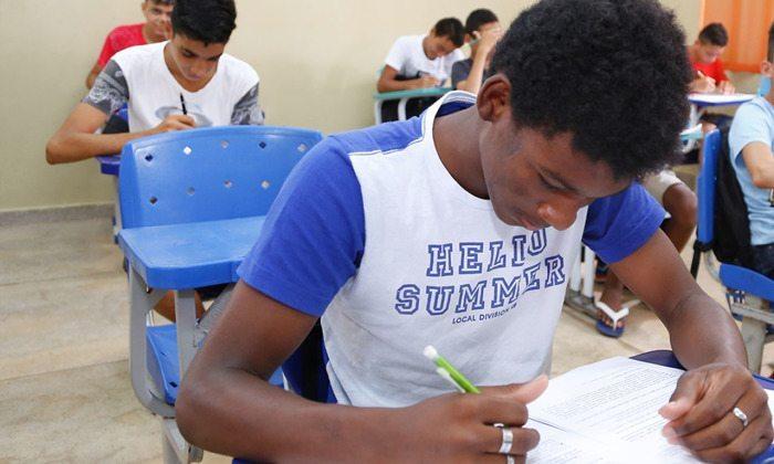 Mais de 23 mil candidatos do Tocantins participam do Exame Nacional para Certificação (Encceja)