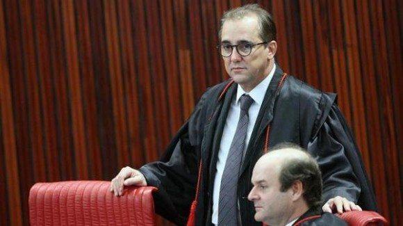 Ministro do TSE é denunciado por lesão corporal contra a esposa