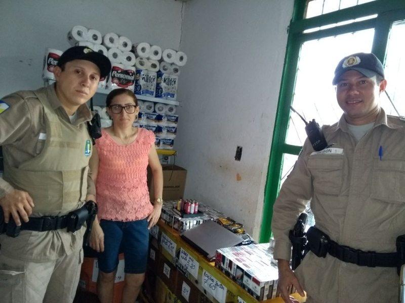 Policiais devolvem a comerciante produtos furtados que estavam escondidos em carrinho de bebê