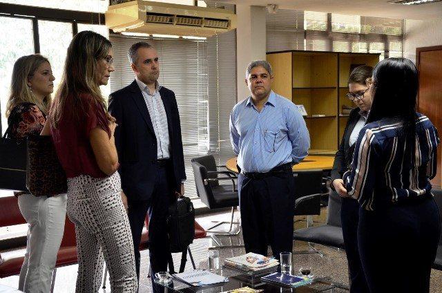 Secretário Glauber de Oliveira recebe visita de parceiros do Sistema Socioeducativo