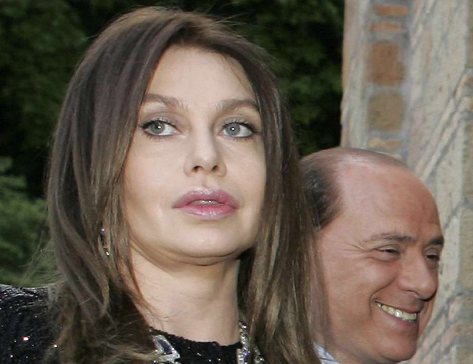 Ex de Berlusconi terá que devolver pensão milionária