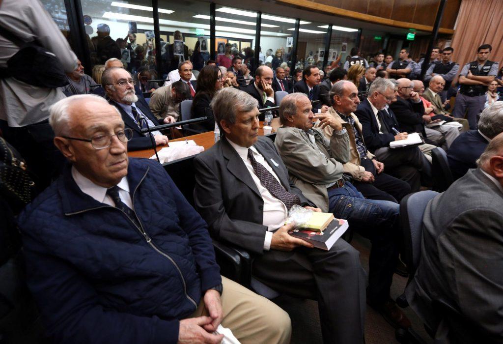 Argentina condena 48 ex-militares por 'voos da morte' e outros crimes da ditadura