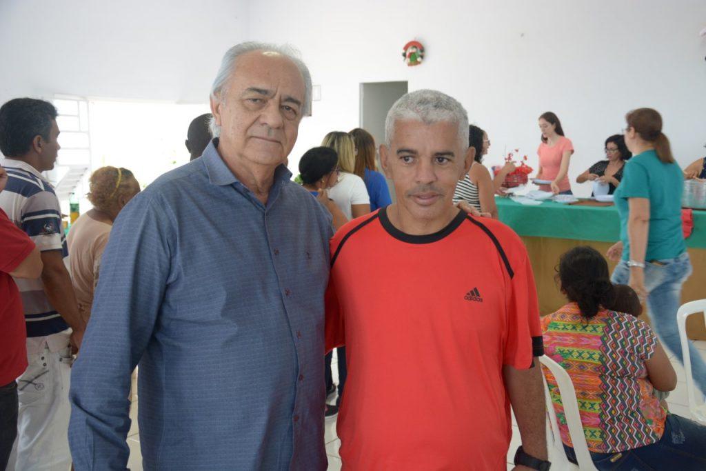 Prefeito Moisés Avelino participa de almoço com usuários do CAPS