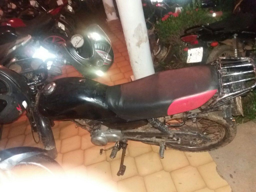 Moto constando registro de furto/roubo é apreendida pela Polícia Militar em Divinópolis