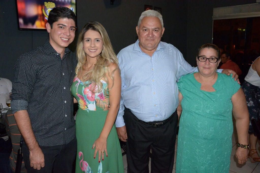 Celso Morais e servidores da Secretaria de Desenvolvimento Econômico de Paraíso participam de confraternização