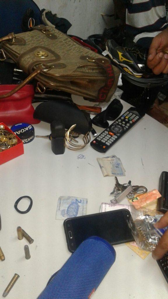 Polícia Militar prende quadrilha por roubo em residência e recupera os produtos subtraídos em Araguaína