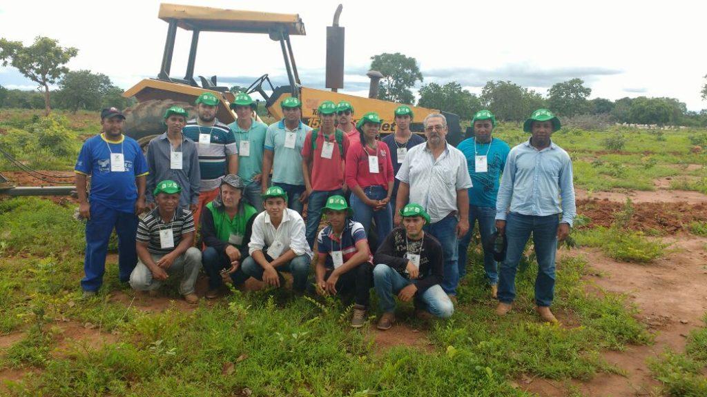 Curso de Trabalhador na Operação e Manutenção de Tratores Agrícolas está sendo realizado no município de Peixe