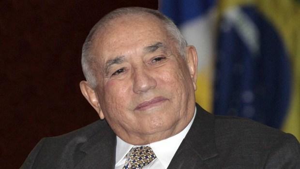 Siqueira Campos desiste de candidatura ao Senado