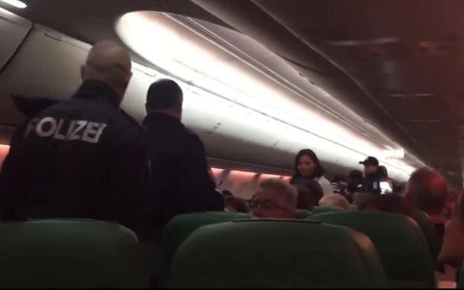Homem solta 'gases poderosos' e causa pouso de emergência em voo para Amsterdã