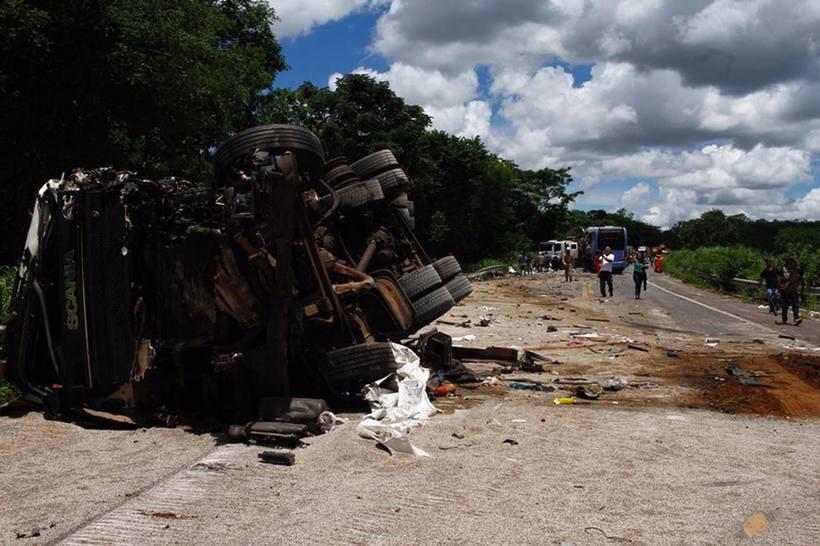 Condutor da carreta de acidente na BR-020 não tem CNH para dirigir caminhão