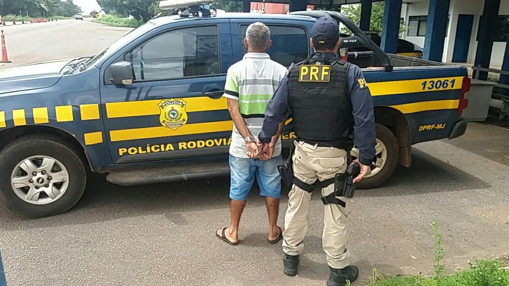 PRF cumpre mandado de prisão e prende senhor de 52 anos condenado por homicídio