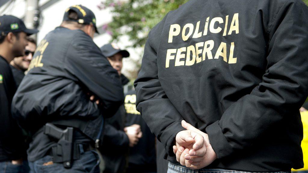 Polícia Federal cumpre mandados em operação contra suspeitos de pornografia infantil