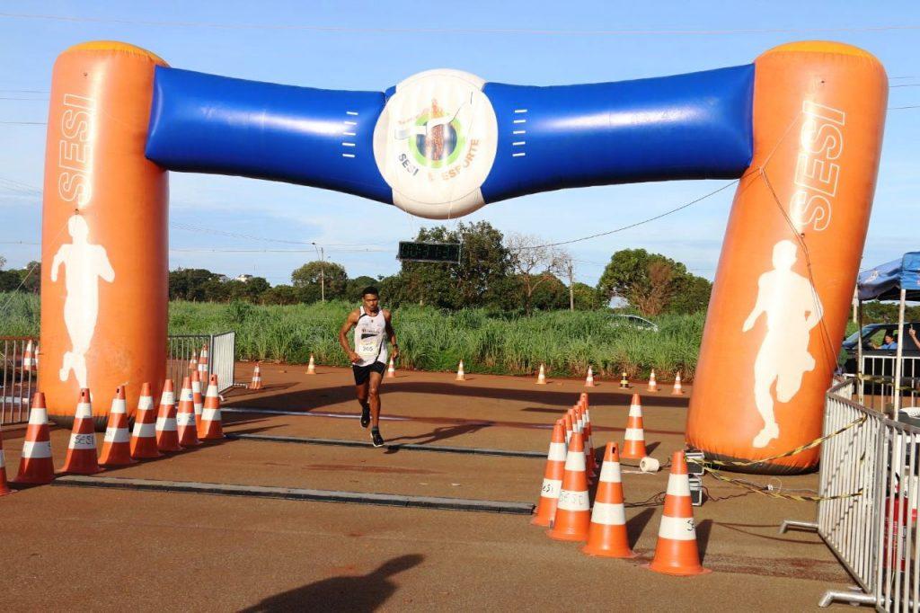 Corredor de Santa Tereza do Tocantins ganha prova do Sesi Corrida de Aventura 2018