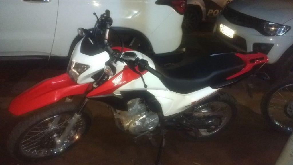 Polícia Militar prende três homens e recupera moto furtada em Xambioá