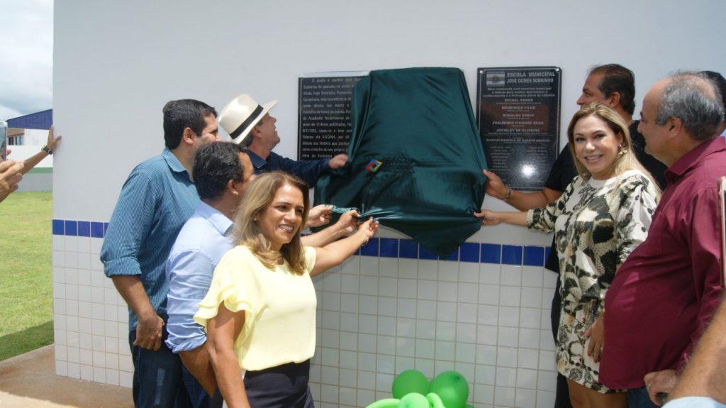 Luana Ribeiro participa de inauguração de escola em Araguaína e do aniversário de Pau D'Arco