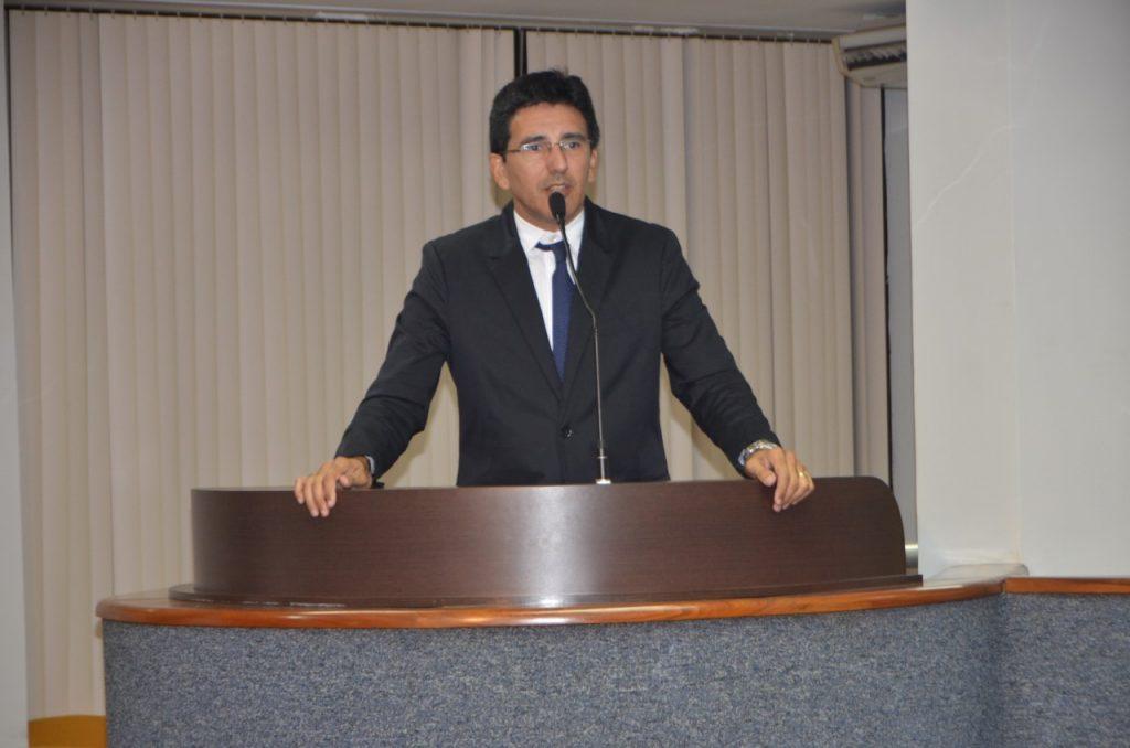 Júnior Geo solicita audiência pública para discutir o abastecimento de água em Palmas