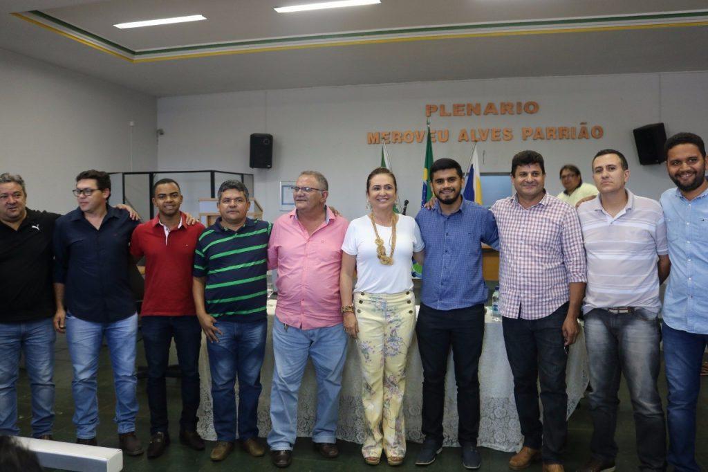 """Kátia Abreu diz que """"poder"""" deve ser dado à pessoas  que sabe usá-lo, durante reunião em  Formoso do Araguaia"""