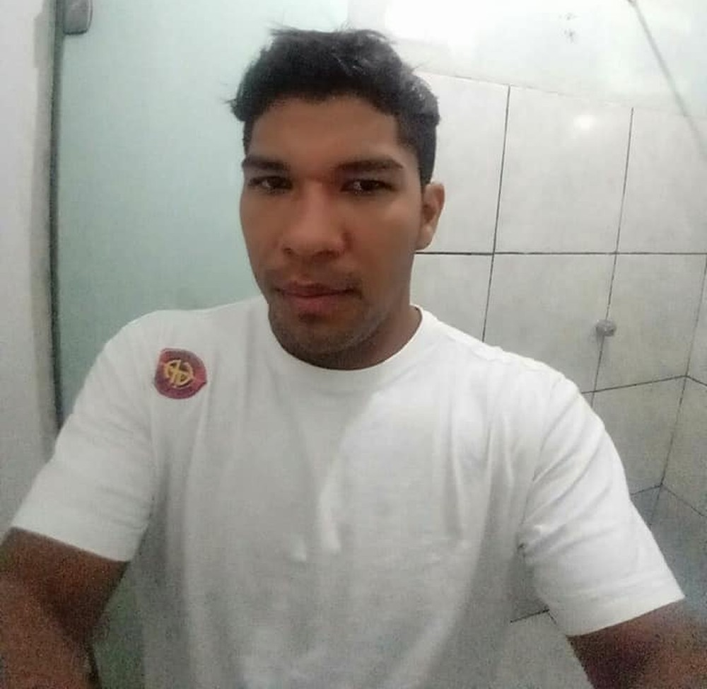 Jovem morre após ser atropelado por caminhonete; motorista foi liberado