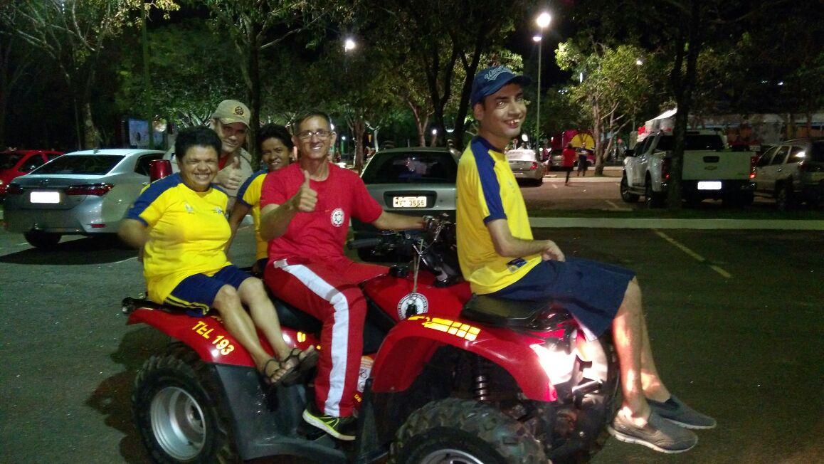 Corpo de Bombeiros leva atividades esportivas para alunos da Apae