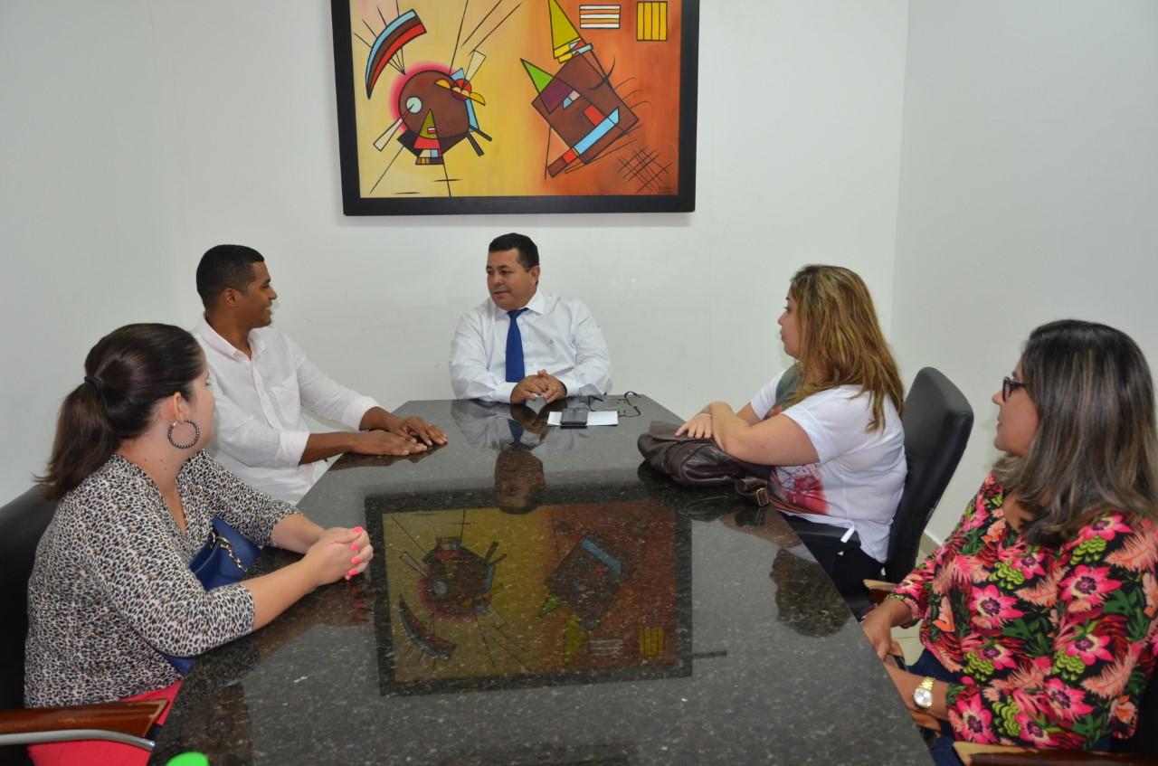 No dia Internacional contra a discriminação racial, Câmara de Palmas recebe representantes do Compir