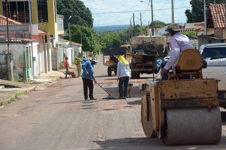 Prefeitura intensifica ações de manutenção das vias públicas de Paraíso