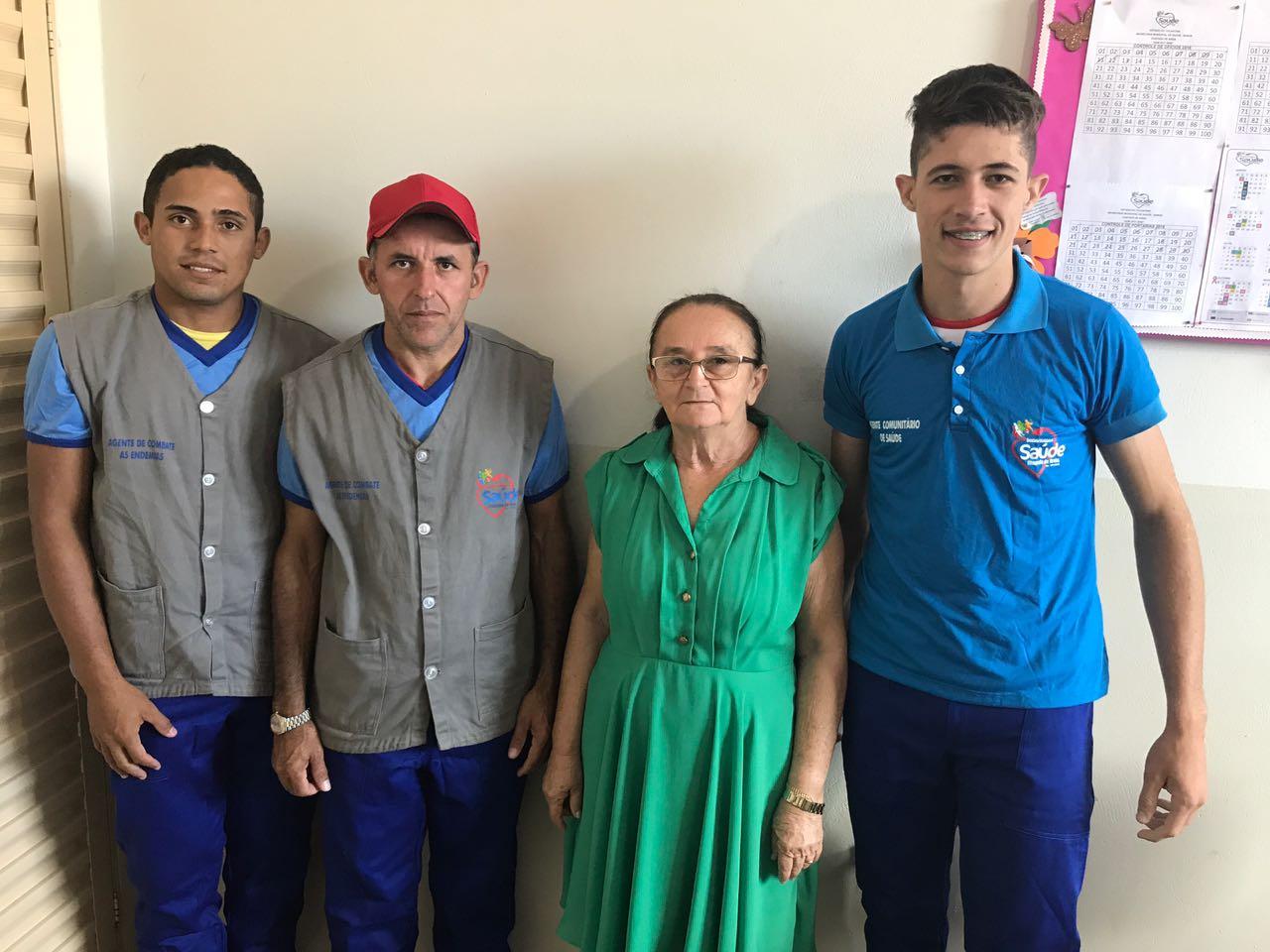 Equipes da Saúde recebem uniformes em Chapada de Areia