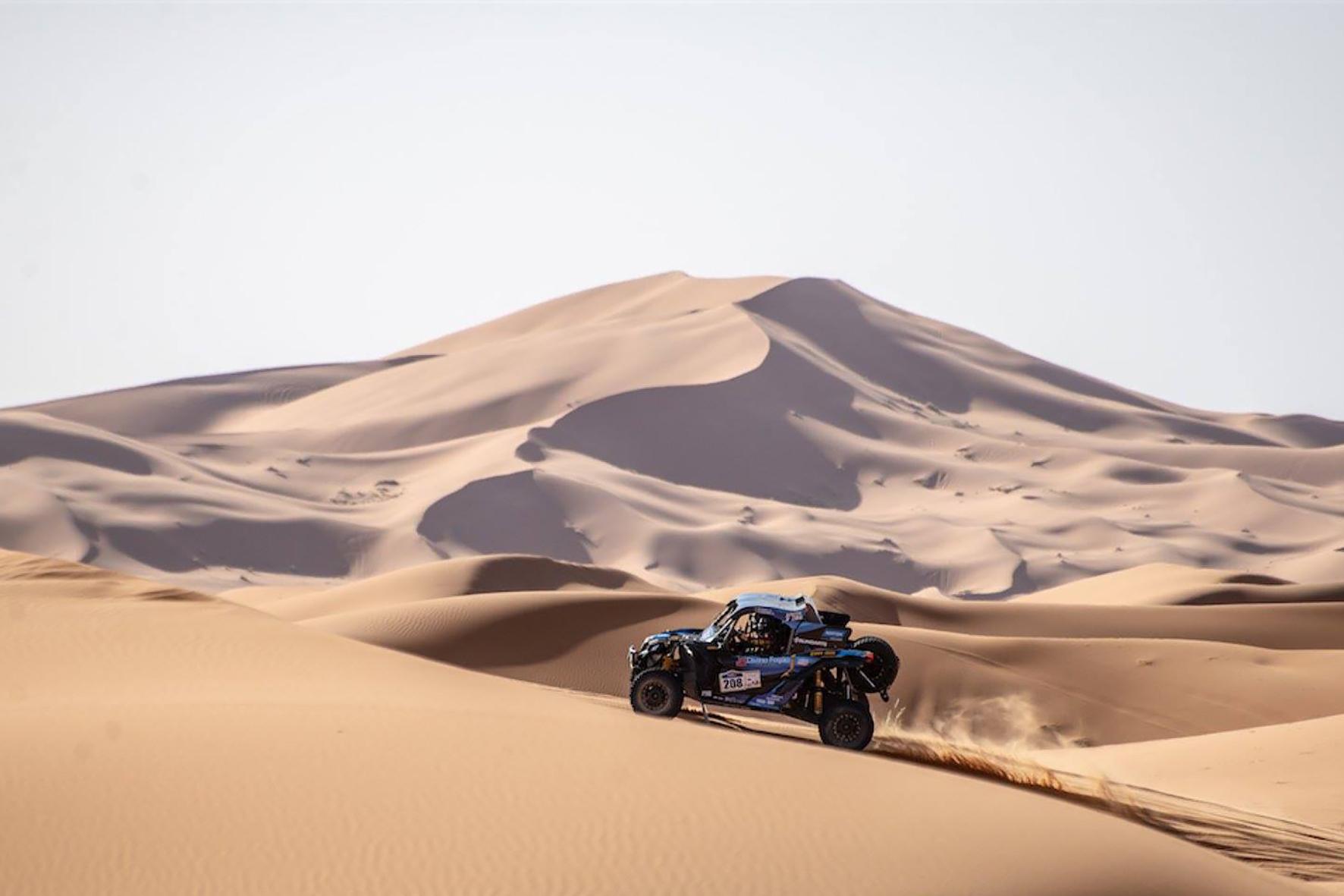 Brasileiros estão em terceiro lugar entre os UTVs do Rally Merzouga