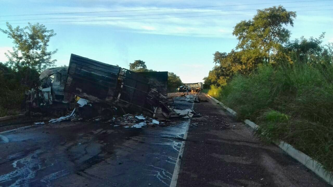 Colisão frontal deixa dois mortos na BR-153 entre Pugmil e Nova Rosalândia