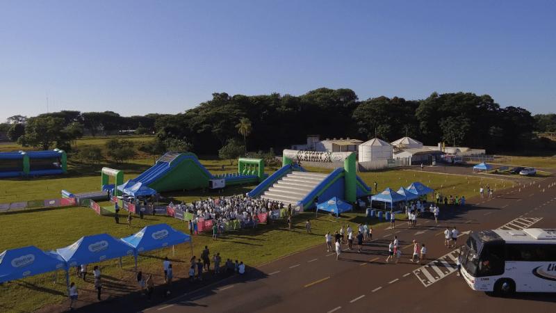 Corrida Insana: Caminhões com infláveis ficam retidos na Fernão Dias e etapa de BH é adiada