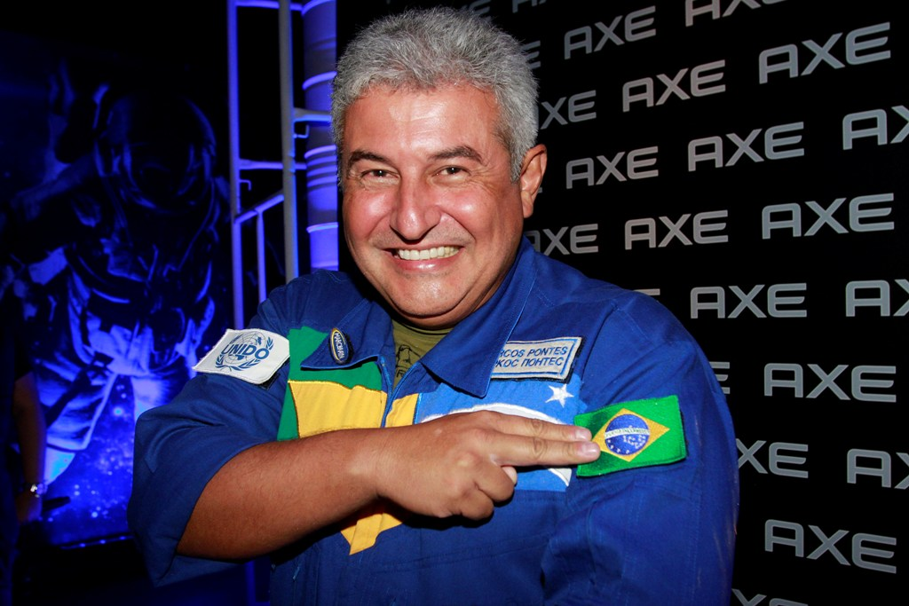 Conheça o primeiro astronauta brasileiro que foi para o espaço