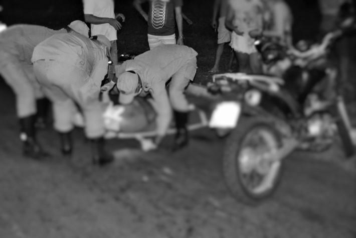 Acidente envolvendo motociclista e ciclista deixa dois feridos, em Paraíso TO