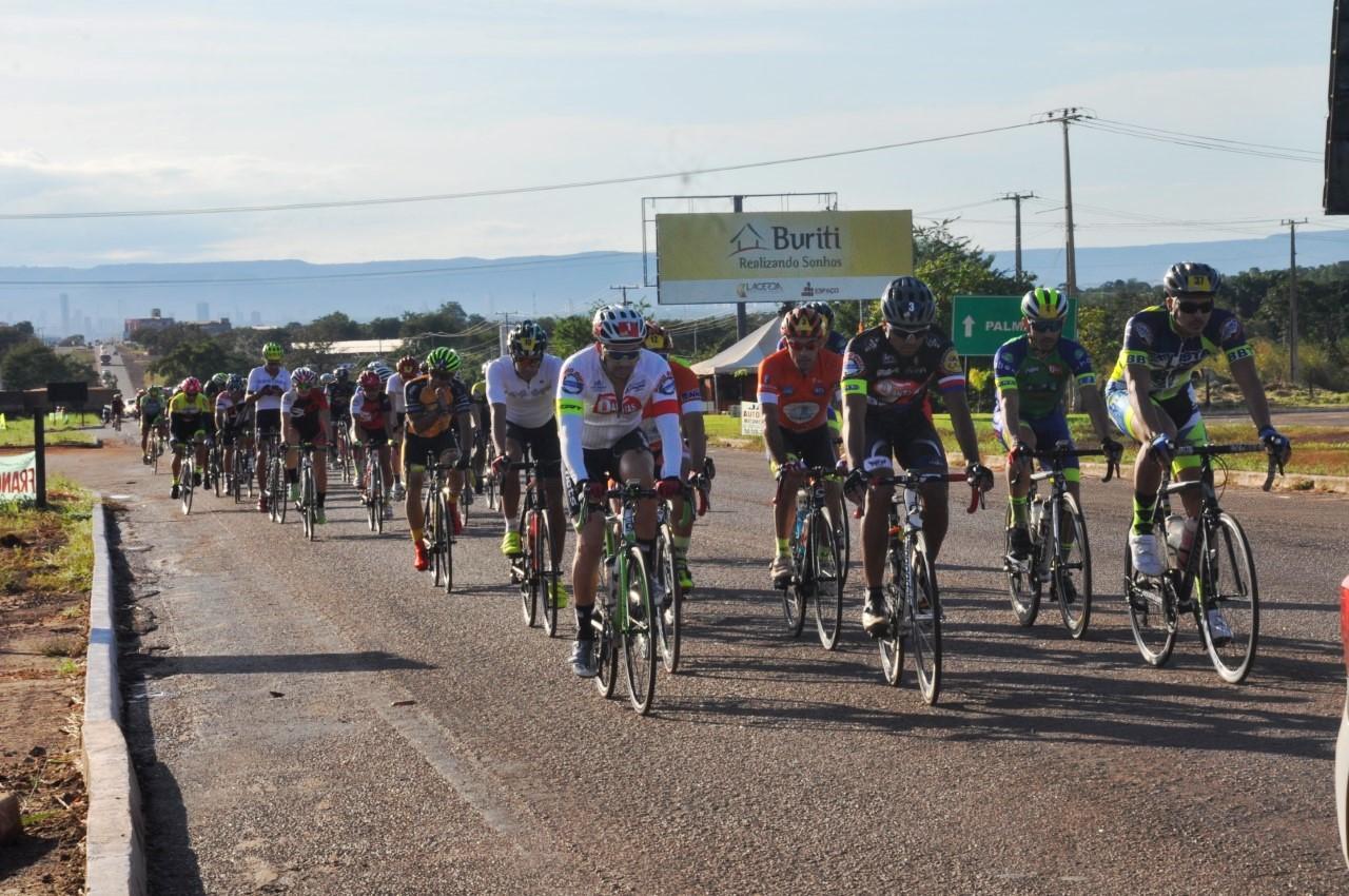 Prefeitura de Porto Nacional apoia competição de ciclismo em Luzimangues