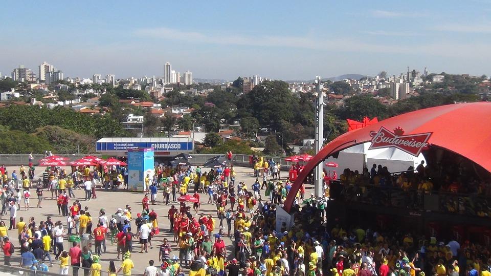 Especialista dá dicas de segurança para assistir aos jogos da Copa do Mundo em ambientes públicos