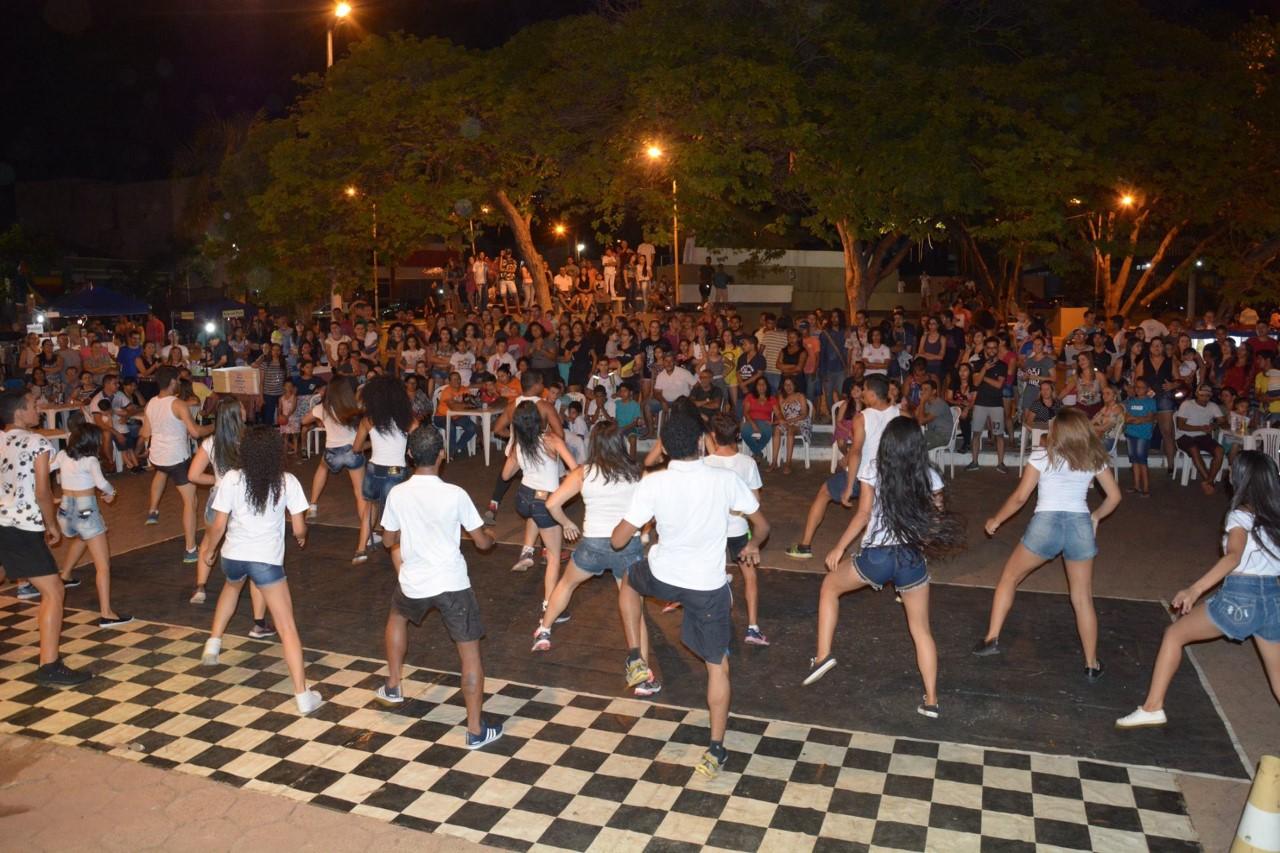 Com show dançante e apresentações artísticas, 2ª edição da Sexta Cultural anima o público presente