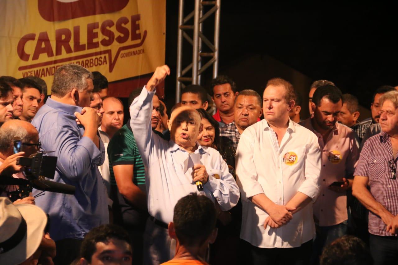 """Em Paraíso, Siqueira Campos defende eleição de Carlesse: """"É um presente e uma revelação para o Tocantins"""""""