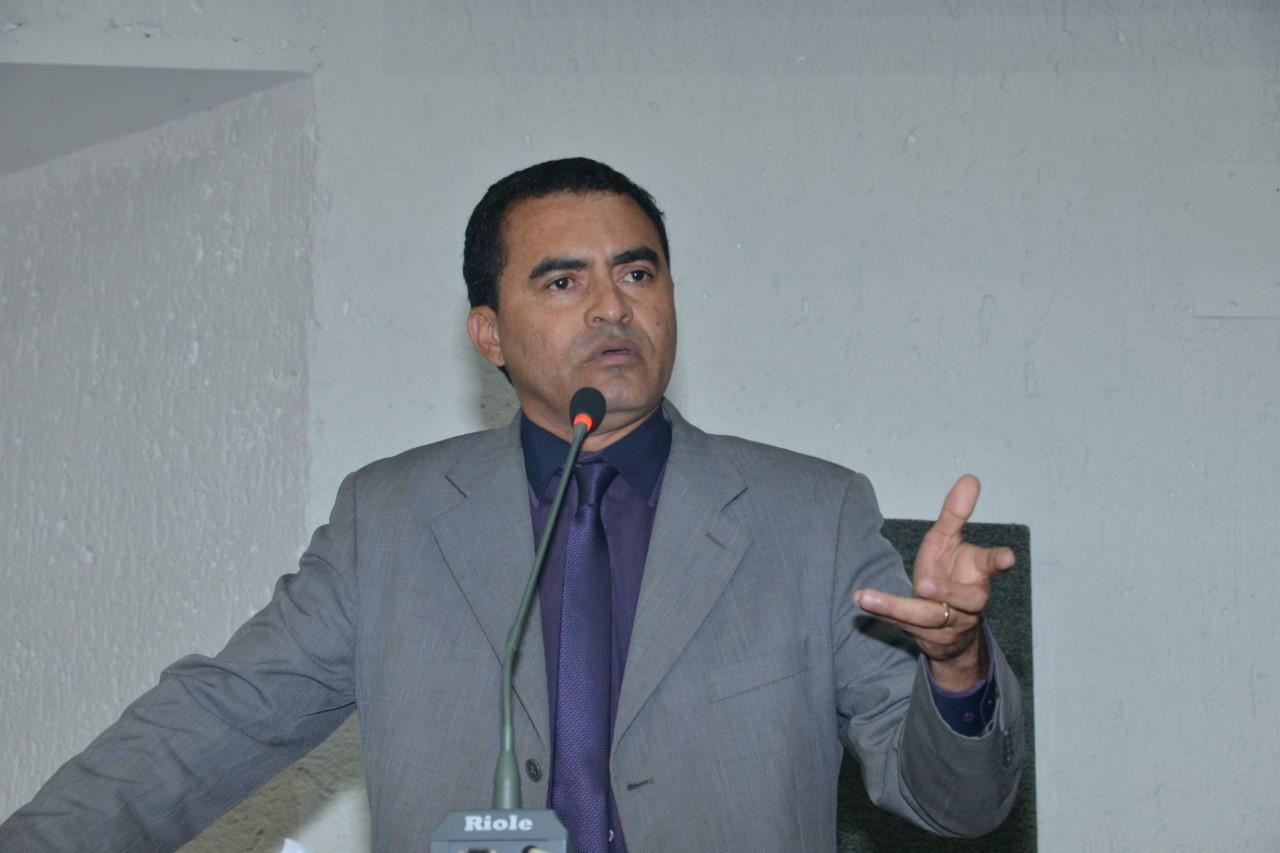 Projeto de Wanderlei que proíbe apreensão de veículos com IPVA em atraso se torna referência no Maranhão