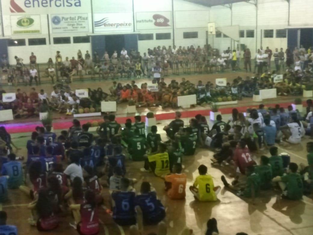 Jogos Estudantis do Tocantins reúnem atletas de 14 escolas estaduais em Arraias