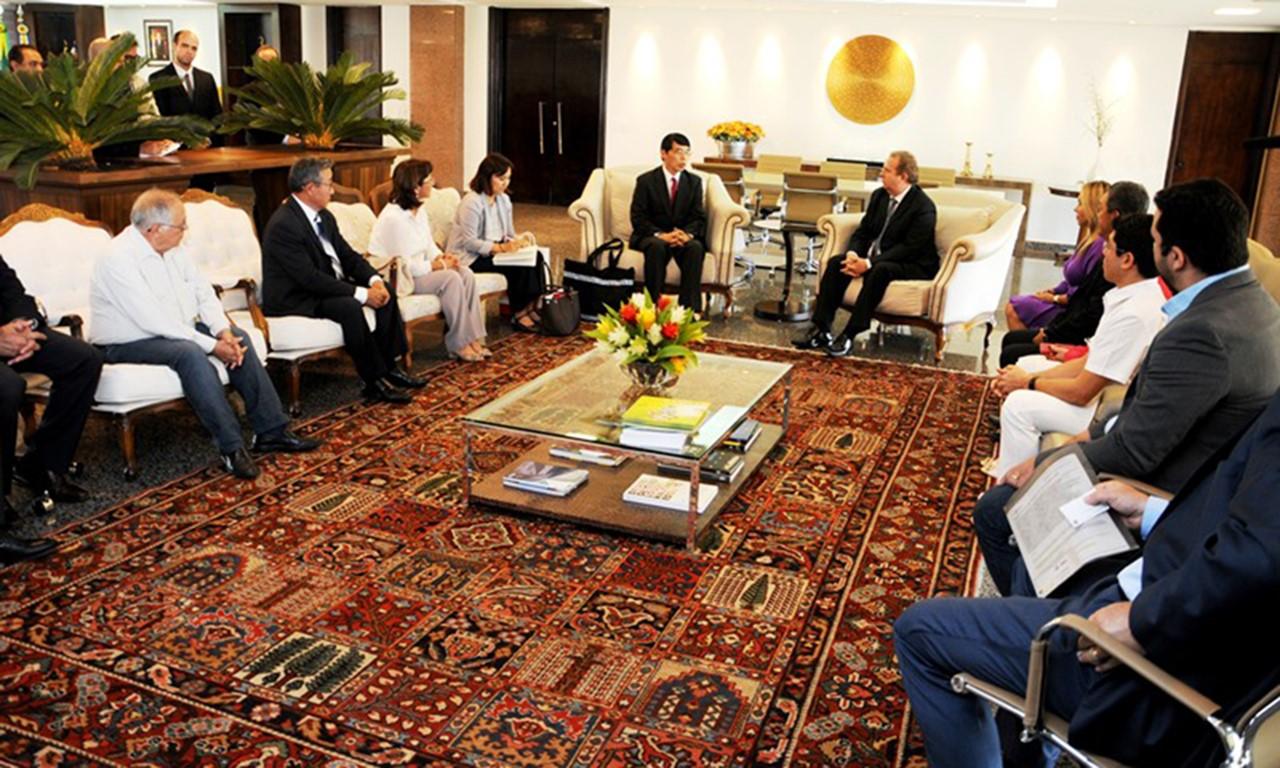Governo do Tocantins recepciona embaixador do Japão no Palácio Araguaia