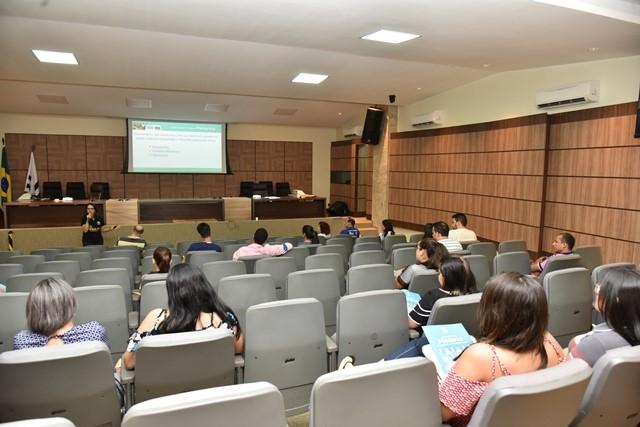 Mesários participam de treinamento presencial na sede do TRE-TO durante fim de semana