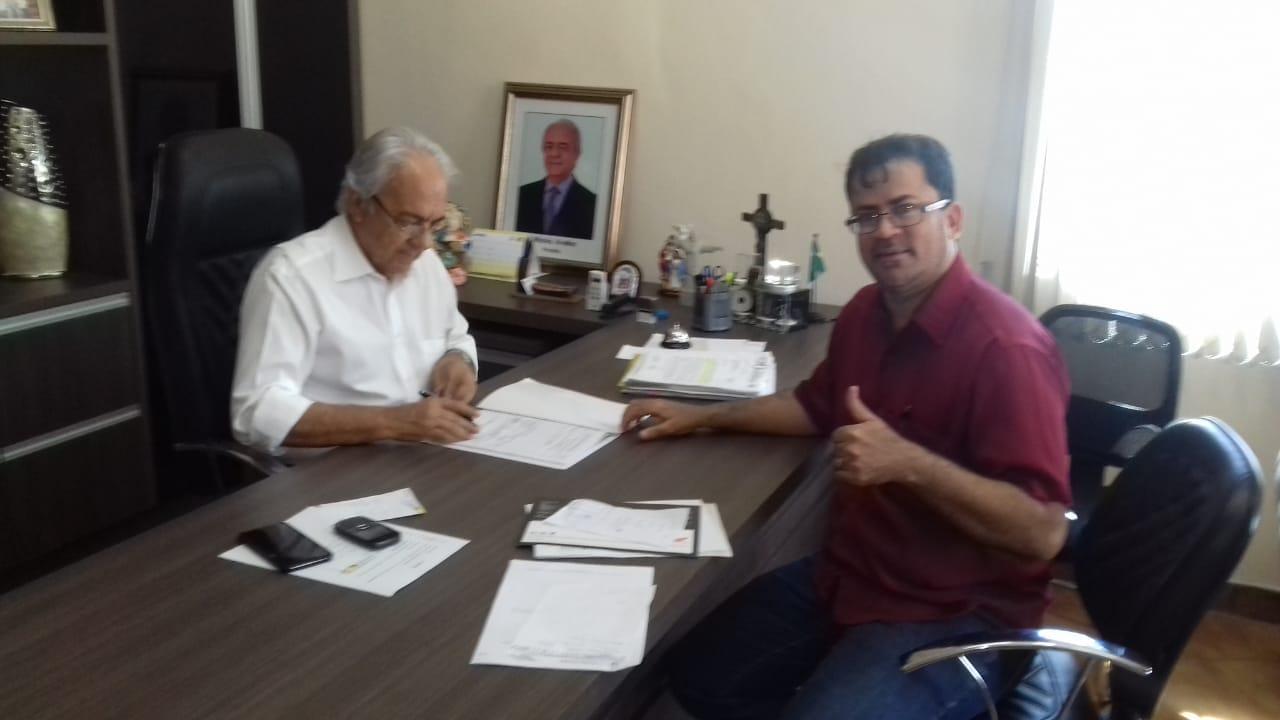Prefeito de Paraíso e secretário de esportes e juventude assinam processo para Bolsa Atleta